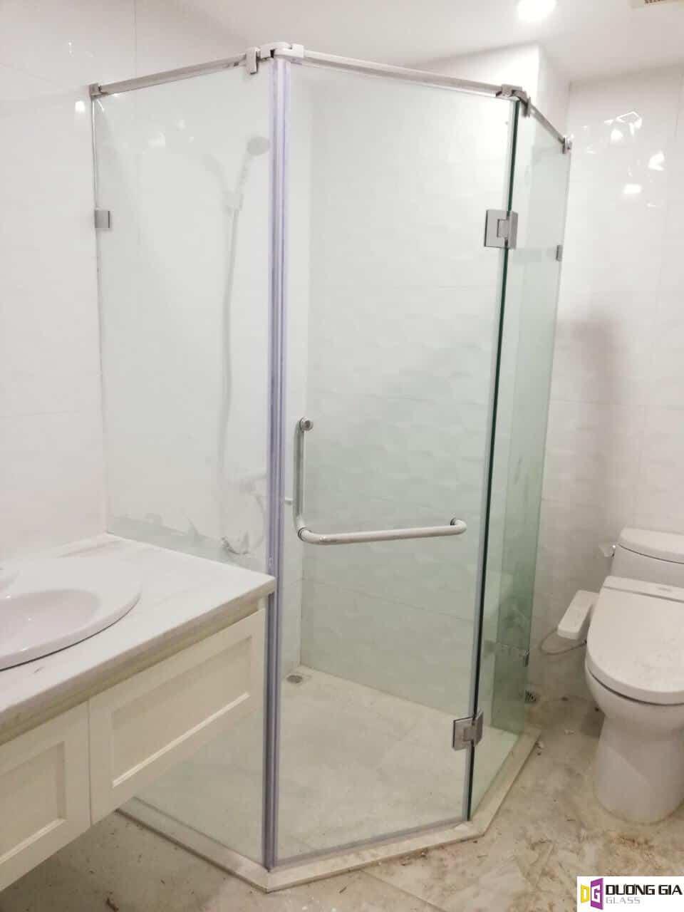 Cabin phòng tắm kính 135 độ mẫu 1