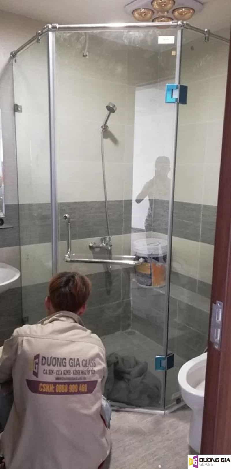 Cabin phòng tắm kính 135 độ mẫu 3