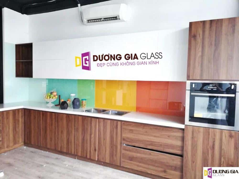 Lắp đặt kính ốp bếp tại Quận Đống Đa Hà Nội