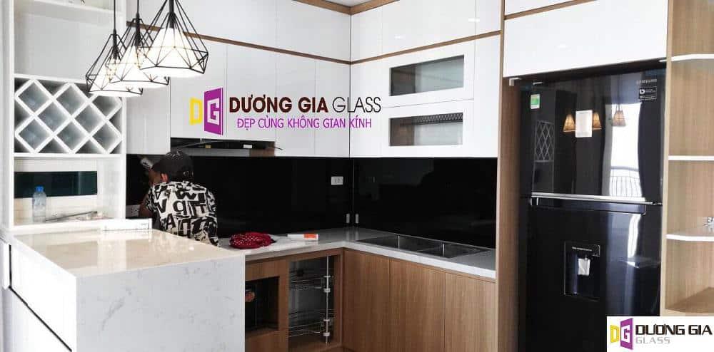 Lắp đặt kính ốp bếp tại Quận Hoàng Mai Hà Nội