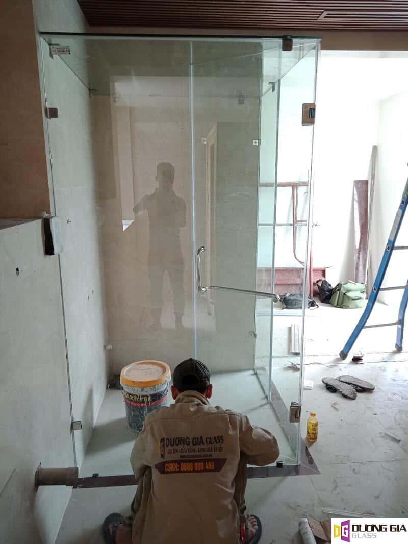 Mẫu cabin phòng tắm kính mẫu 8