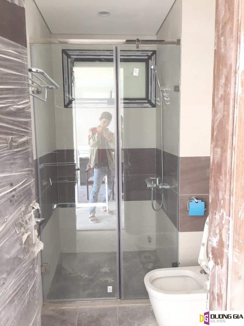 Mẫu cabin phòng tắm kính mẫu 9