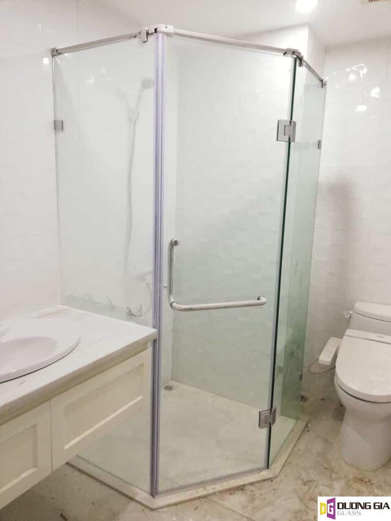 Phòng tắm kính mẫu 12