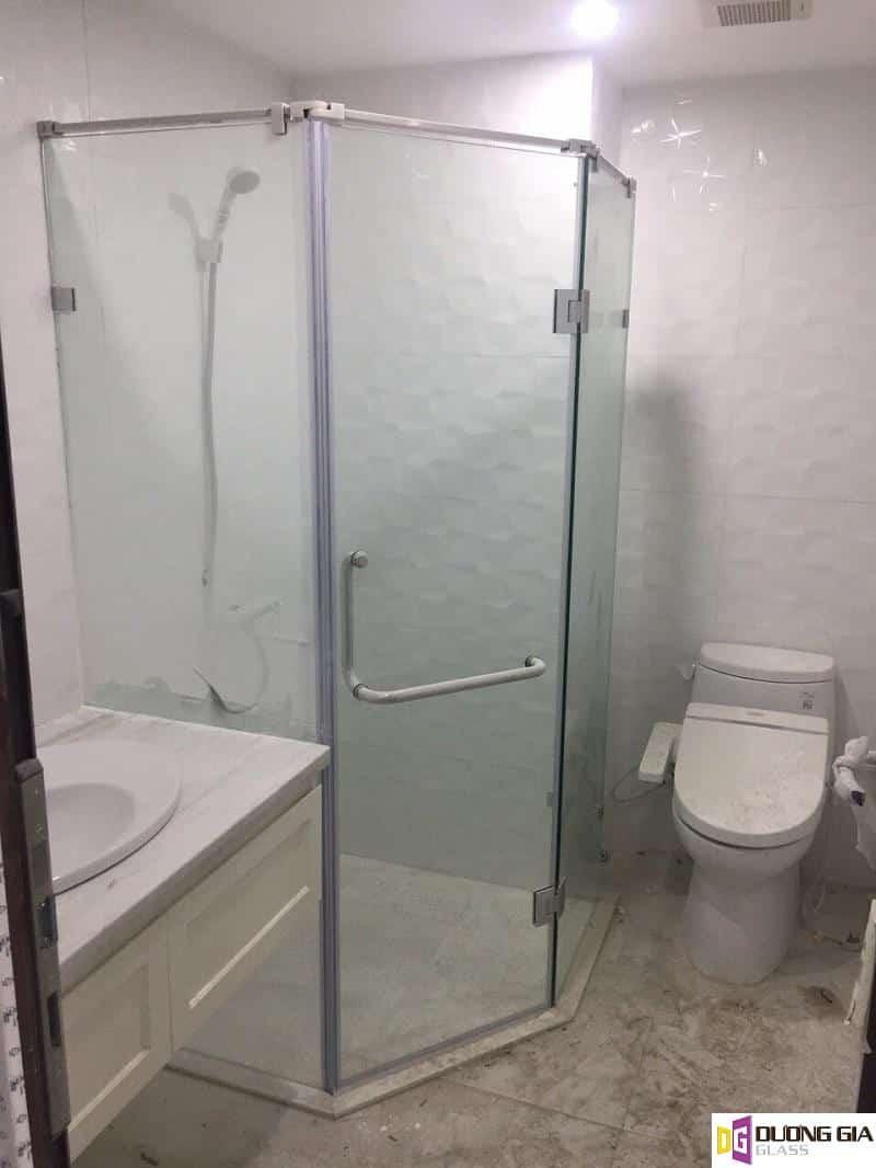 Phòng tắm kính mẫu 16