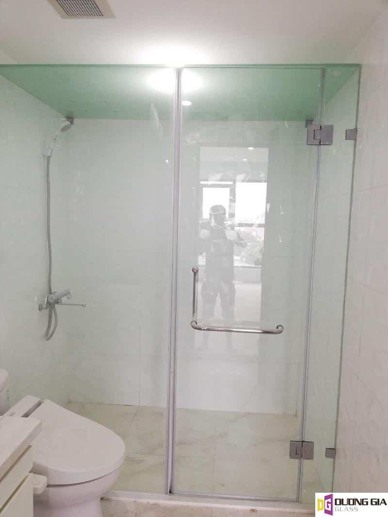 Phòng tắm kính mẫu 18