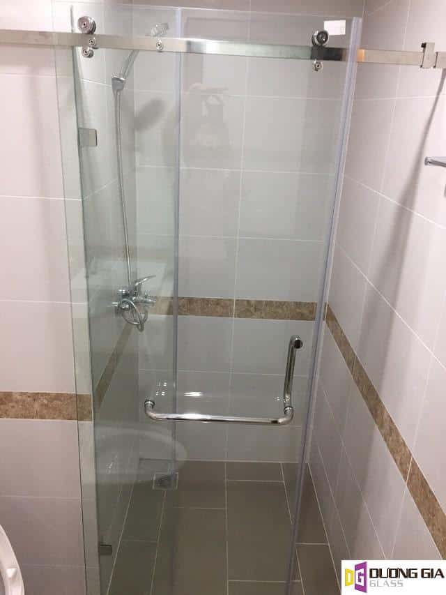 Phòng tắm kính mẫu 2
