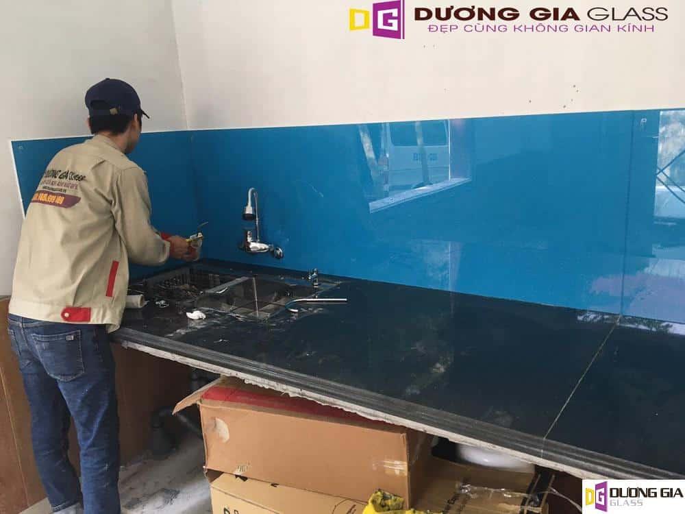 Quy trình thi công kính ốp bếp tại Dương Gia Glass