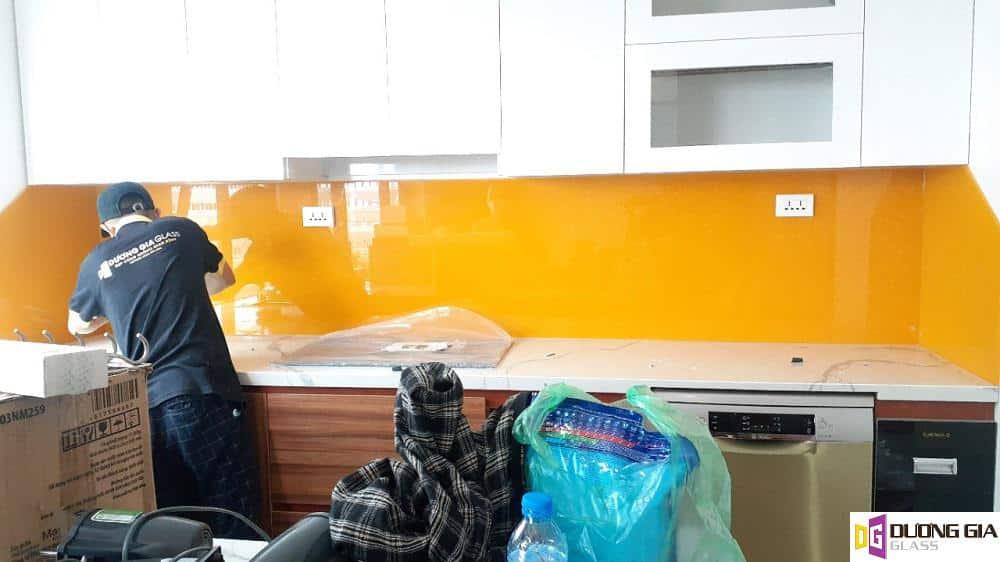 Thi công kính ốp bếp Hồ Chí Minh